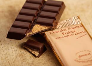 Tablette de chocolat fondant pralinéŽ sans sucres ajoutéŽs