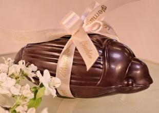 Hanneton en chocolat garni de pralines